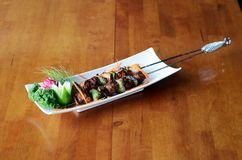 Presentazione tailandese ed italiana continentale asiatica di cucina di diffe immagine stock