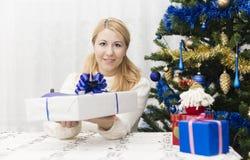 Presente anno di nuovo e di natale Fotografia Stock
