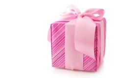 Presente cor-de-rosa Fotos de Stock Royalty Free