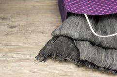 Presente d'annata della sciarpa Fotografia Stock