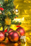 Presente da árvore de Natal Imagem de Stock