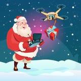 Presente da entrega de Santa Claus Hold Remove Controller Drone, feriado do Natal do ano novo Imagem de Stock