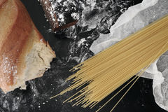 Presente da farinha no papel do cozinheiro Imagem de Stock