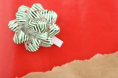 Presente de Natal empacotado Imagens de Stock