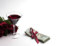 Presente do dinheiro e do conceito vermelho das rosas Foto de Stock