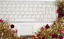 Presente do Natal de Netbook Imagens de Stock