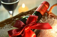 Presente do vinho Foto de Stock Royalty Free