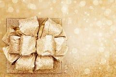 Presente dourado fotografia de stock