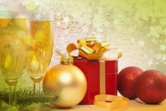 Presente e champanhe do Natal ilustração do vetor