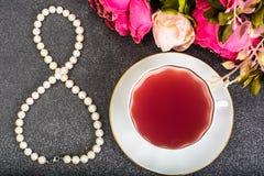 Presente internacional da PÉROLA do dia do ` s das mulheres o 8 de março Imagem de Stock