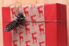 Presente para o ano novo e o Natal Imagens de Stock