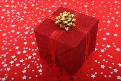 Presente vermelho do Natal Fotos de Stock Royalty Free