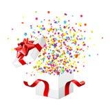 Presente y confeti Fotografía de archivo libre de regalías