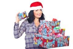 presenterar den lyckliga holdingen för jul kvinnan Fotografering för Bildbyråer