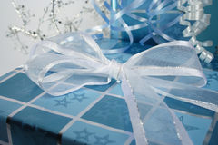 Presentes azuis Fotografia de Stock Royalty Free