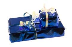 Presentes azules empilados de la hoja Fotografía de archivo