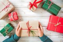 Presentes de la Navidad y del Año Nuevo Foto de archivo libre de regalías