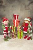 Presentes de Natal e duende Fotos de Stock