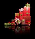 Presentes de Natal refletidos Imagens de Stock