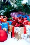 Presentes de Natal sob a árvore Foto de Stock Royalty Free