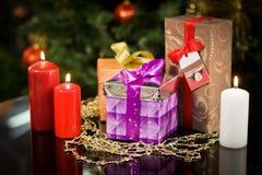 Presentes del Año Nuevo de la Navidad Foto de archivo libre de regalías