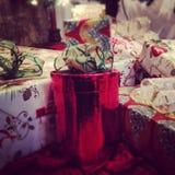Presentes del día de fiesta de la Navidad Fotografía de archivo libre de regalías