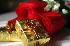 Presentes del oro Foto de archivo