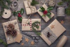 Presentes del vintage de la Navidad Imagen de archivo