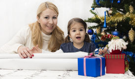 Presentes do Natal e do ano novo Fotos de Stock