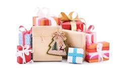 Presentes do Natal isolados no fundo branco Fotografia de Stock Royalty Free
