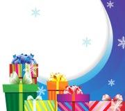 Presentes do Natal no empacotamento brilhante Fotos de Stock