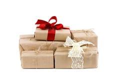 Presentes do Natal no fundo branco Fotografia de Stock