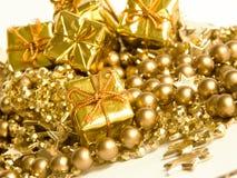 Presentes dourados Imagem de Stock
