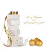 Presentes e bolas do Natal com fita do ouro Imagens de Stock Royalty Free