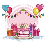 Presentes e bolo de aniversário com balões Fotos de Stock