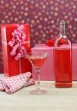 Presentes e cocktail Fotografia de Stock