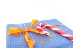 Presentes e decoração do Natal no fundo branco Fotografia de Stock