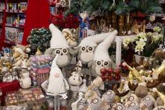 Presentes e ornamento do Natal Fotos de Stock Royalty Free