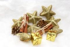 Presentes e símbolos do Natal Foto de Stock