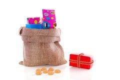 Presentes em um saco de Sinterklaas Foto de Stock