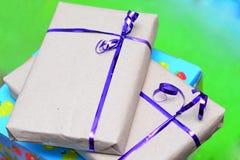Presentes envueltos en papel reciclado Fotografía de archivo libre de regalías