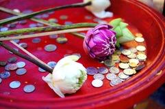 Presentes para a Buda Imagens de Stock