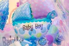 Presentes para o bebê recém-nascido Foto de Stock