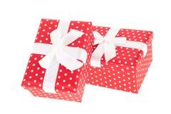Presentes punteados rojos Fotos de archivo libres de regalías