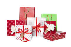 Presentes y giftbags aislados Fotos de archivo libres de regalías