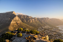 Presenti la montagna nella sera Cape Town sole-, Sudafrica Fotografie Stock Libere da Diritti
