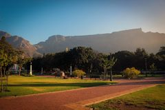 Presenti la vista del supporto dal giardino del ` s della società, Cape Town fotografia stock