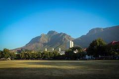 Presenti la vista del supporto dal giardino del ` s della società, Cape Town fotografia stock libera da diritti