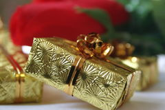 Presents 2. Gold presents Royalty Free Stock Images
