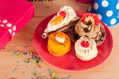 Presents and facy cakes Royalty Free Stock Photos